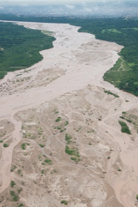 Aerial view of the River Pirai in Bolivia, with Santa Cruz in the background. The Fundación Natura Bolivia has collaborated with departmental and municipal government to establish the water fund FONACRUZ. Source: Wikimedia Commons, Author: Sam Beebe.