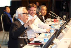 IPBES Chair Prof. Zakri closes the five-day meeting