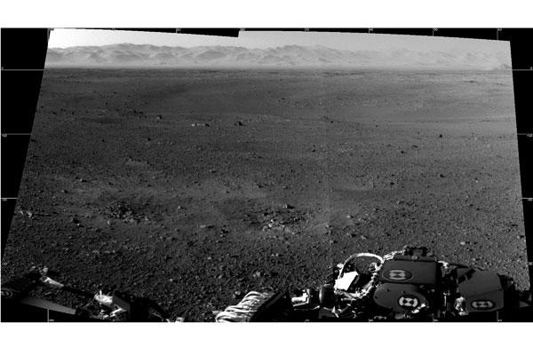 Curiosity Rover at Gale Crater.  Image: NASA/JPL-Caltech/ASU
