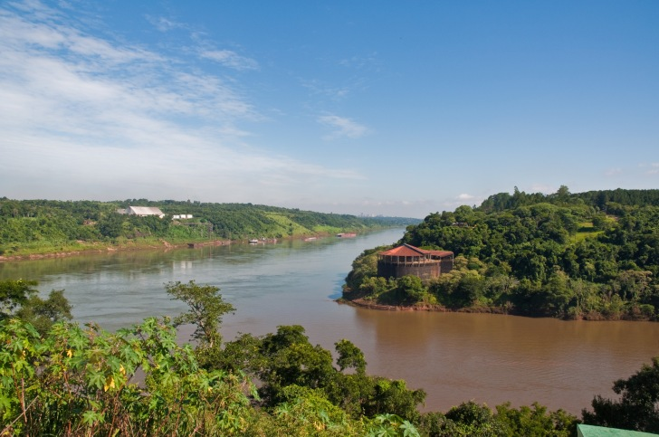 Confluence of the Iguazu and Parana rivers. On the left is Paraguay, on the right Brazil, taken from Argentina  Phillip Capper, Wikimedia Commons