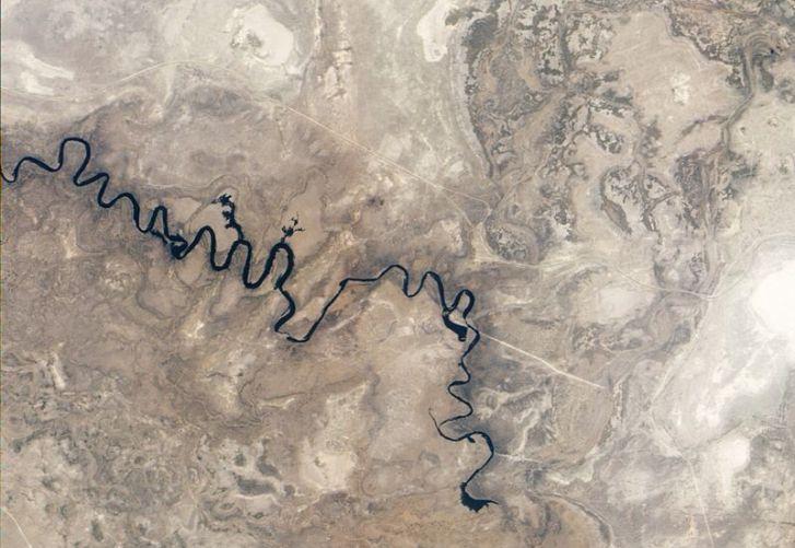 800px-Boteti_River,_Botswana