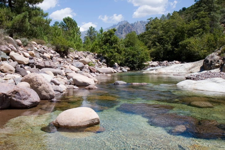 A Mediterranean river: the Fango Valley in Corsica.  Image: Ole Reidar Johansen (Flickr | Creative Commons)
