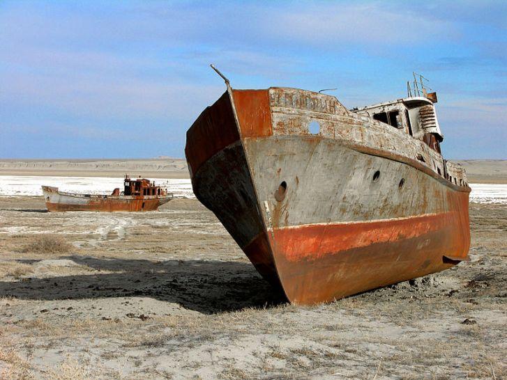 A 'ship graveyard' in the Aral Sea, Kazakhstan. Image: Wikipedia