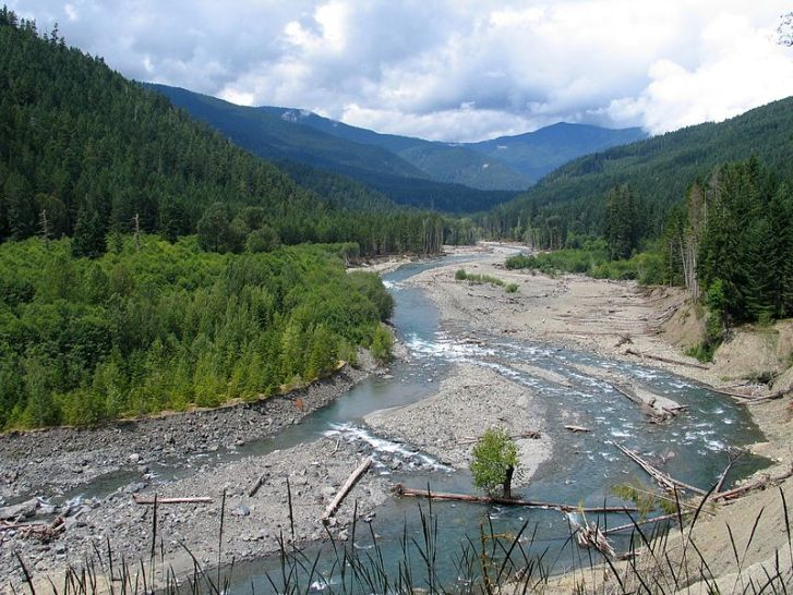 The Elwha River in Washington State, USA. The largest dam removal project in history took place on the river between 2011-14 as part of restoration work by the National Park Service. Image: Wikipedia